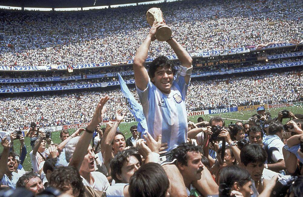 Diego Maradona podczas Mistrzostw Świata w Piłce Nożnej 1986 roku