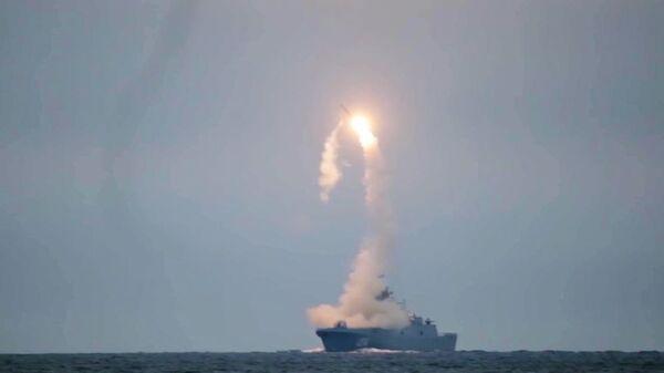 """Pierwsze wystrzelenie naddźwiękowego pocisku """"Cyrkon"""" z fregaty """"Admirał Gorszkow"""" - Sputnik Polska"""