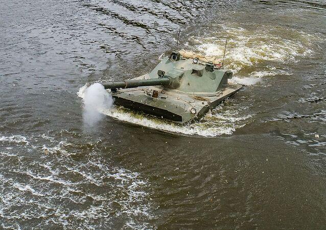 Lekki pływający czołg Sprut-SDM1.