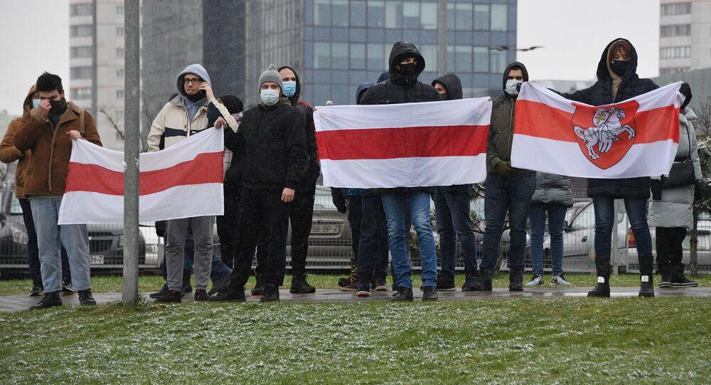 Uczestnicy akcji protestu Marsz sąsiadów w Mińsku