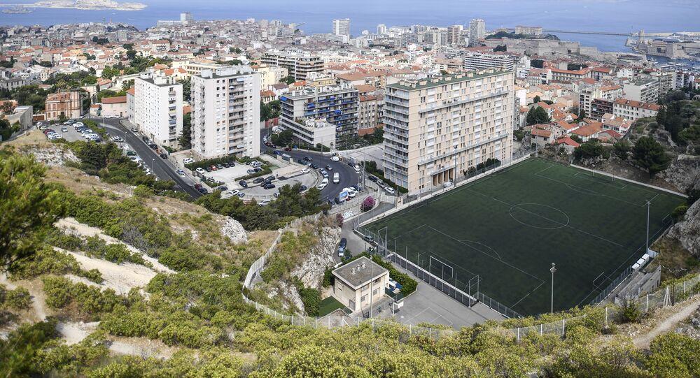 Widok na Marsylia ze wzgórza De La Garde.