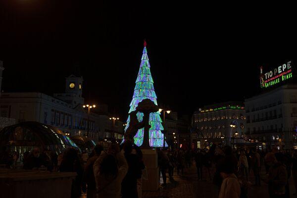 Drzewko bożonarodzeniowe w Madrycie - Sputnik Polska