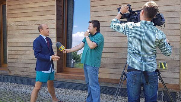 Borys Budka udziela wywiadu TVN - Sputnik Polska