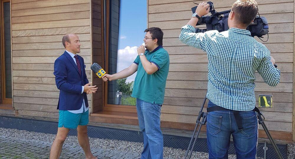 Borys Budka udziela wywiadu TVN