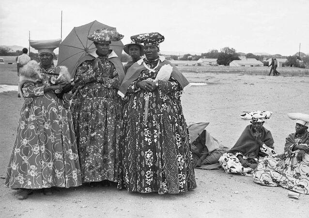 Kobiety z grupy etnicznej Herero w Namibii, 1979 rok