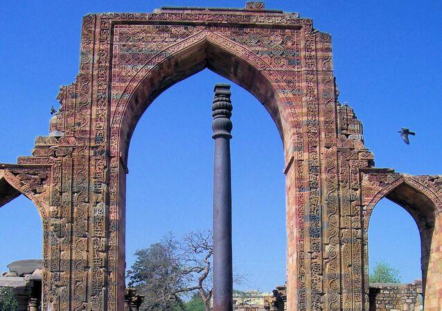 Żelazna kolumna w Delhi.