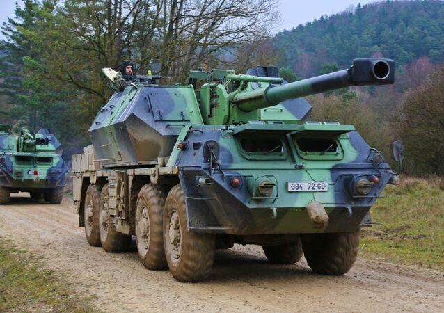 Samobieżna armatohaubica Dana kalibru 152 mm.