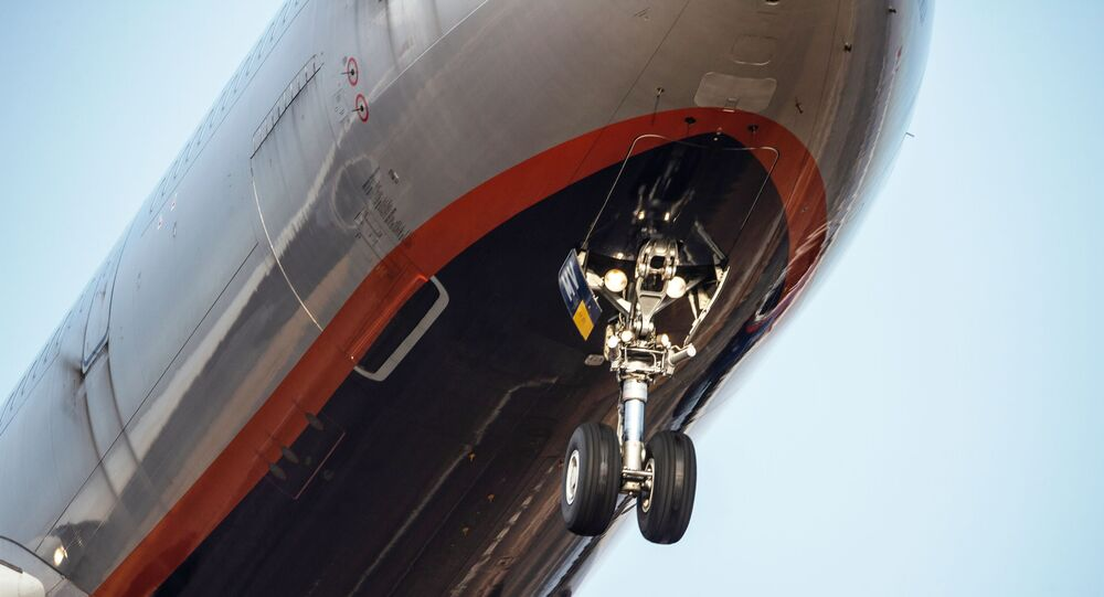 Podwozie samolotu pasażerskiego linii lotniczych Aeroflot.