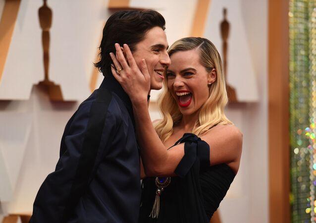 Timothee Chalamet i Margot Robbie podczas ceremonii wręczenia Oscarów w 2020 roku