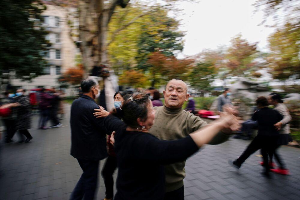 Sytuacja na ulicy w Wuhanie rok po ogłoszeniu pandemii COVID-19