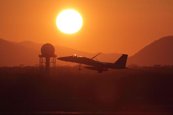 Japoński myśliwiec Mitsubishi F-15J - Sputnik Polska