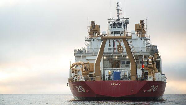 Największy amerykański lodołamacz USCGC Healy - Sputnik Polska
