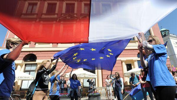 Flagi Polski i UE - Sputnik Polska