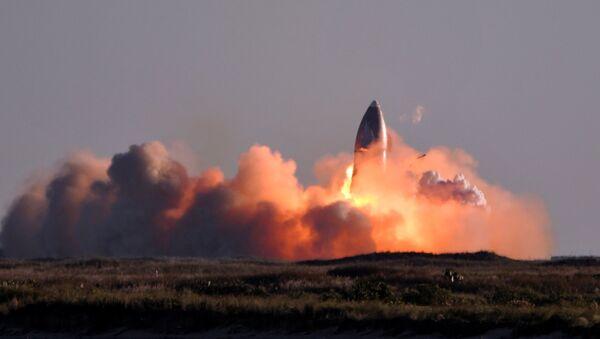 Prototypowy model rakiety Starship SN8 amerykańskiej firmy kosmicznej SpaceX eksplodował podczas lądowania. - Sputnik Polska
