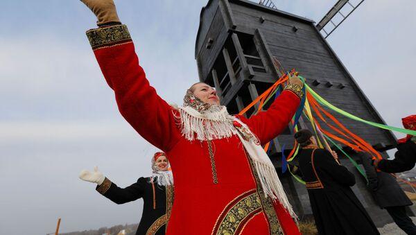 Otwarcie historycznego i kulturowego kompleksu etnograficznego w regionie Biełgorodu - Sputnik Polska