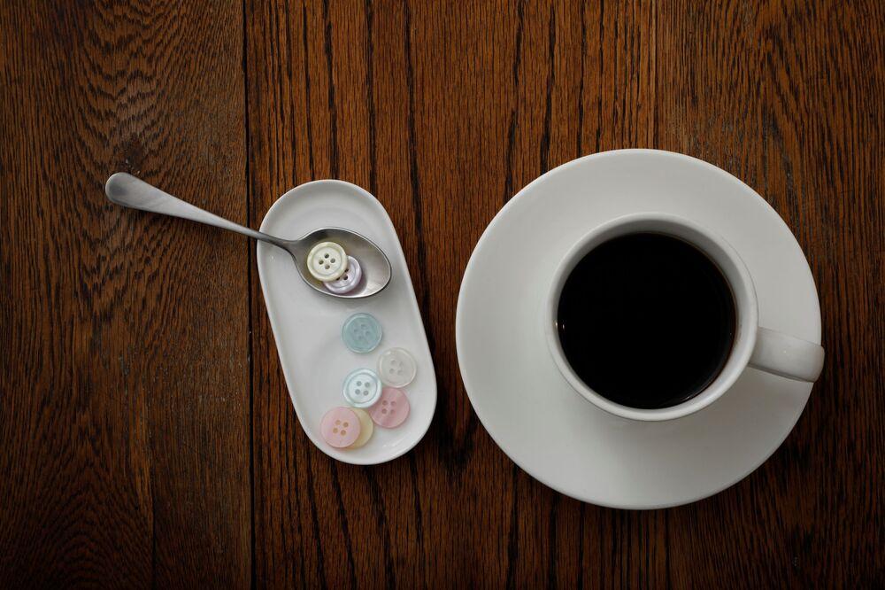 5 g plastikowych guzików – tyle mikroplastiku zjada człowiek w ciągu tygodnia
