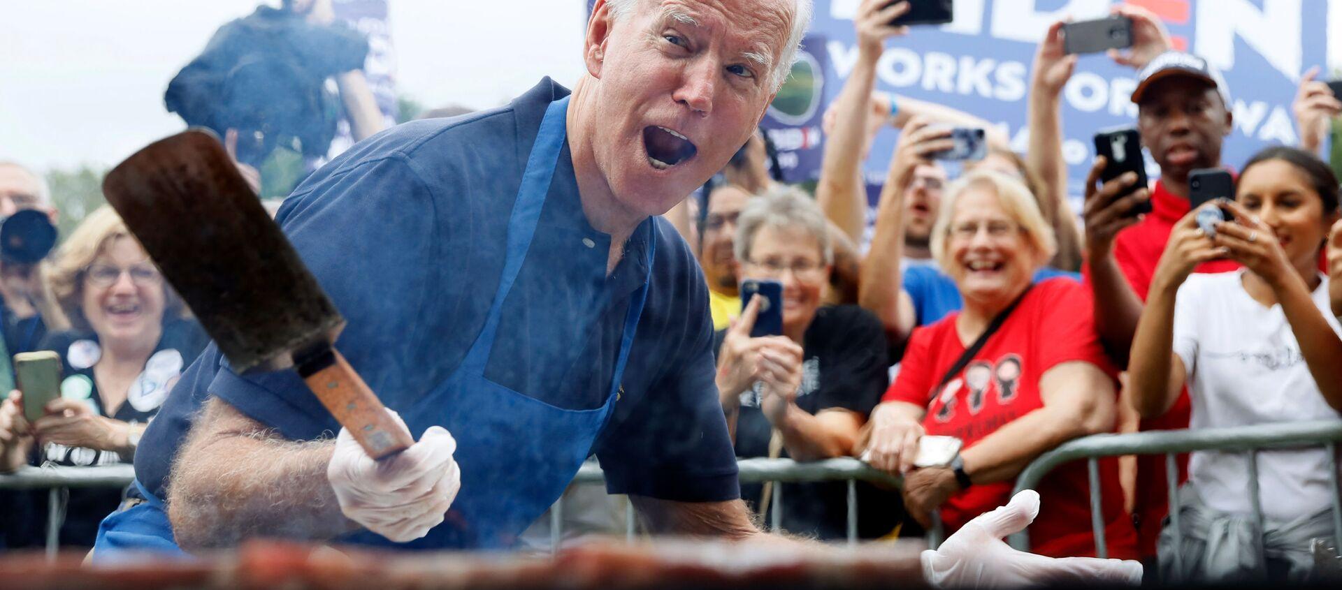Joe Biden podczas kampanii wyborczej - Sputnik Polska, 1920, 19.03.2021