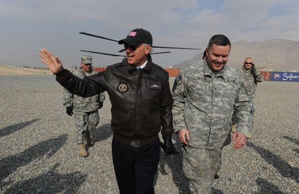 Wiceprezydent USA Joe Biden w Kabulu, 2011 rok - Sputnik Polska