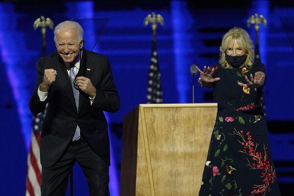 Prezydent USA Joe Biden z żoną Jill - Sputnik Polska