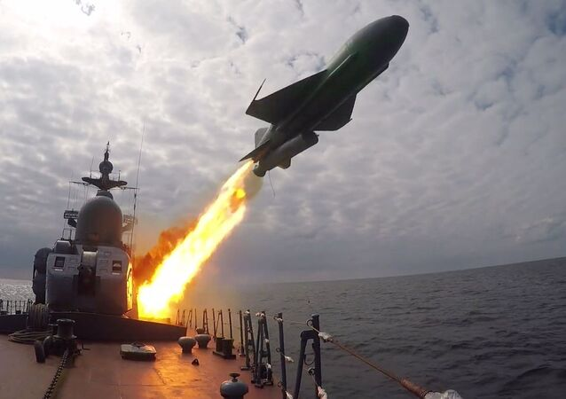 Najnowsza korweta Gremiaszczij na ćwiczeniach na Morzu Bałtyckim