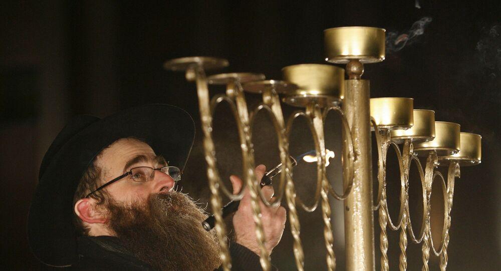 Ceremonia zapalania tradycyjnych świec podczas obchodów Chanuki w Kazaniu w Rosji
