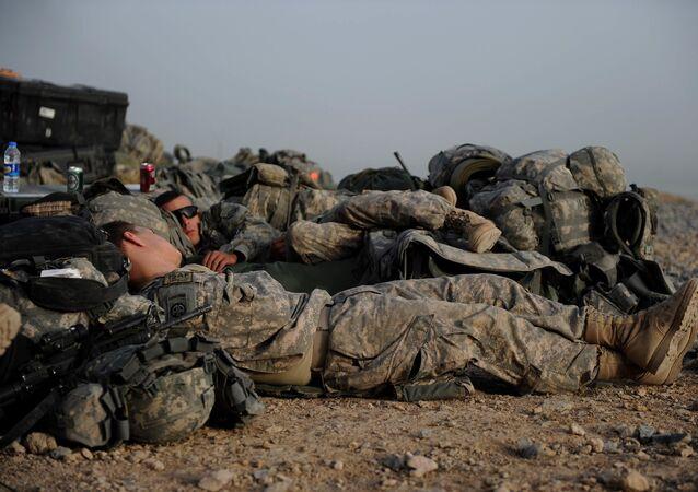 Śpiący żołnierze amerykańskiej armii
