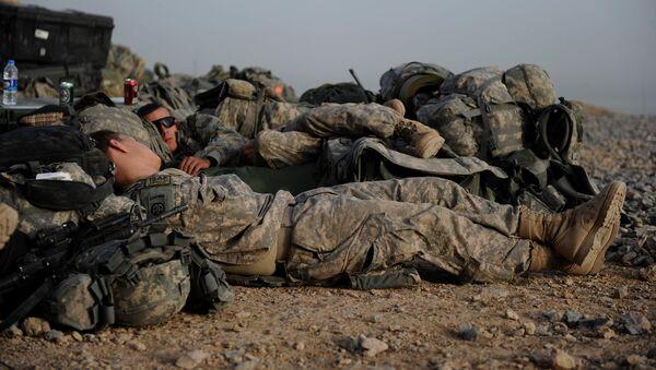 Śpiący żołnierze amerykańskiej armii - Sputnik Polska