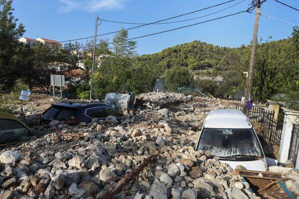 Konsekwencje burzy tropikalnej Janos w Grecji - Sputnik Polska