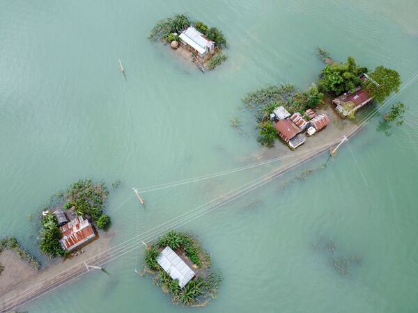 Następstwa powodzi monsunowej w Sunamganj w Bangladeszu - Sputnik Polska