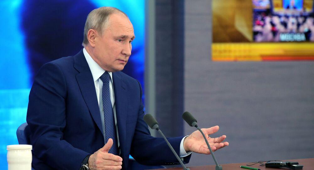 Prezydent Rosji Władimir Putin na corocznej konferencji prasowej