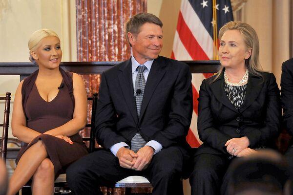 Christina Aguilera, David Novak i Hillary Clinton, 2012 rok - Sputnik Polska