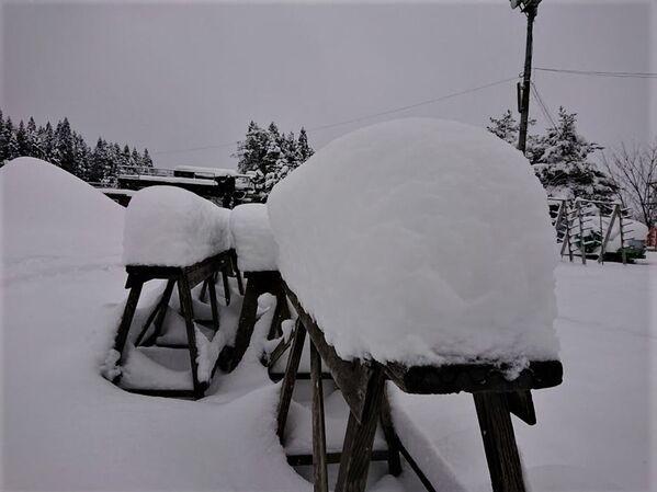 Obfite opady śniegu w Japonii - Sputnik Polska