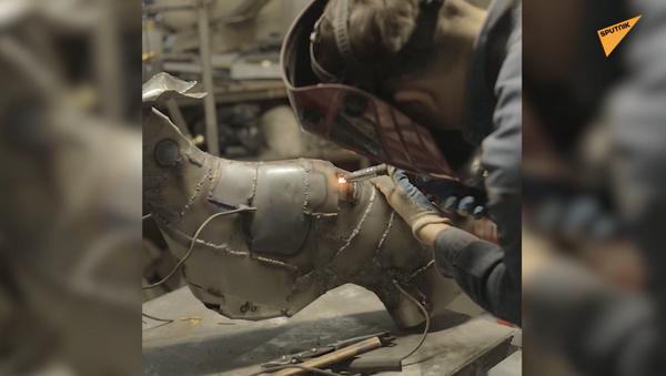 Sztuka ze stali: artysta tworzy rzeźby z metalu - Sputnik Polska