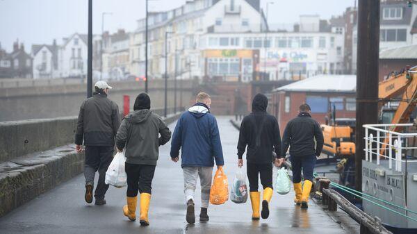 Brytyjscy rybacy opuszczają miejsce pracy na północnym wschodzie Anglii - Sputnik Polska