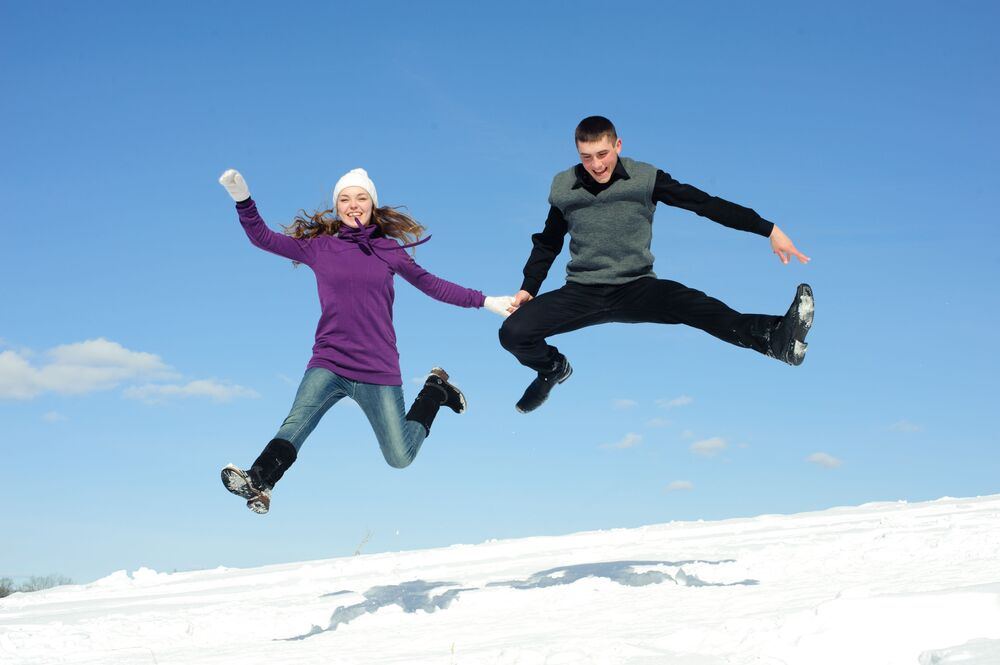 """W Danii o północy przyjęto skakać jak najwyżej, żeby """"doskoczyć"""" do szczęścia w Nowym Roku"""