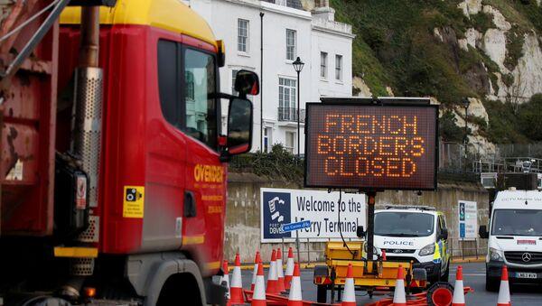 Napis francuska granica jest zamknięta w Dover  - Sputnik Polska