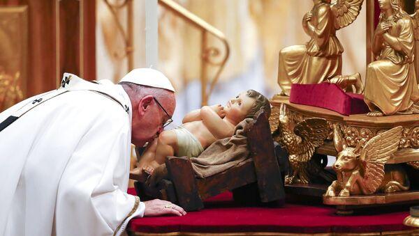 Msza wigilijna pod przewodnictwem Papieża Franciszka w bazylice Świętego Piotra - Sputnik Polska