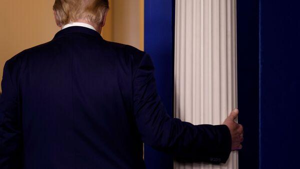 Prezydent USA Donald Trump w Białym Domu - Sputnik Polska