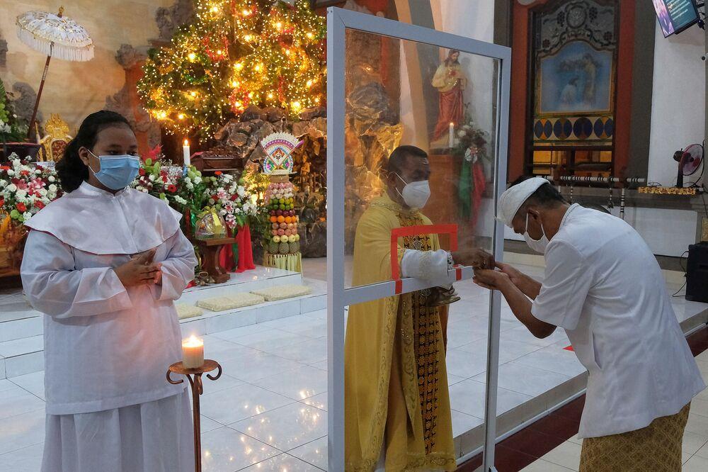 Msza wigilijna w mieście Badung w Indonezji