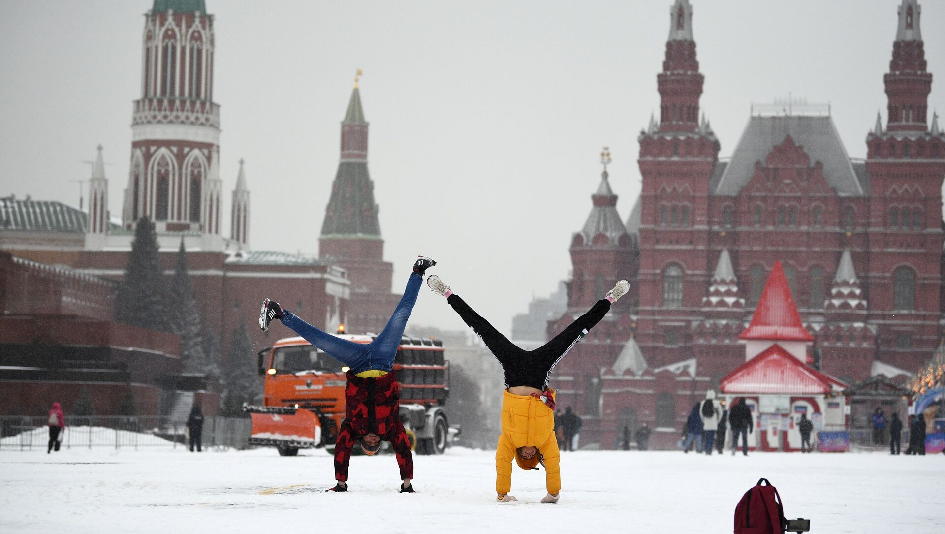 Opady śniegu w Moskwie. Plac Czerwony - Sputnik Polska, 1920, 05.03.2021