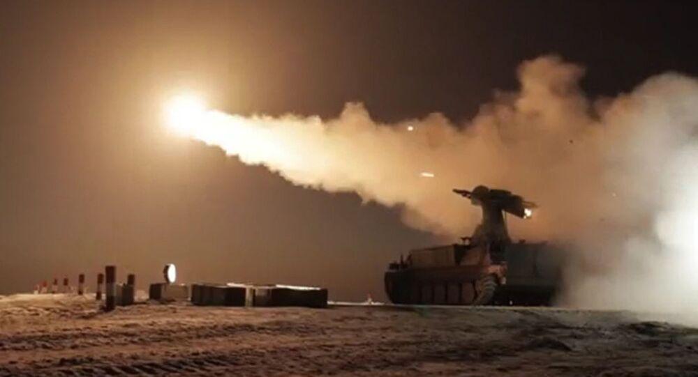 Testy przeciwlotniczego pocisku kierowanego 9M333