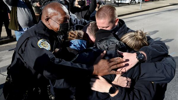 Policja w Nashville po konferencji prasowej w sprawie wybuchu domu na kołach - Sputnik Polska