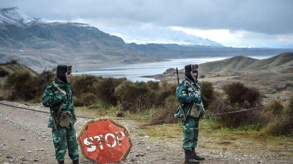 Żołnierze wojsk granicznych Azerbejdżanu na granicy z Iranem - Sputnik Polska