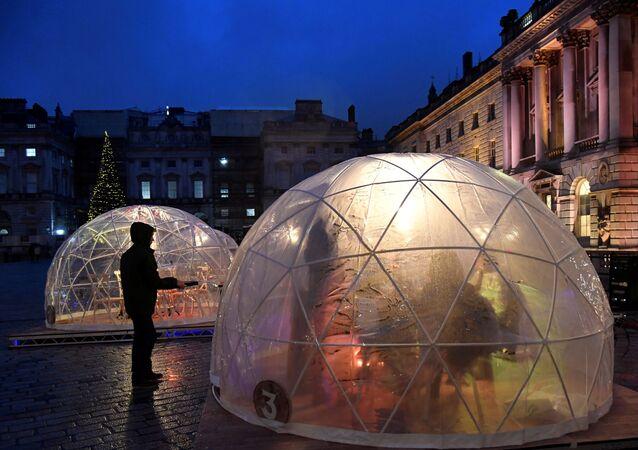 Winter Dome - jedzenie pod gołym niebem