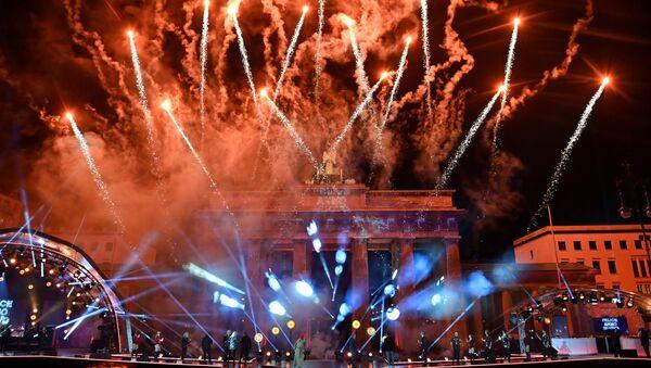 Fajerwerki z okazji Nowego Roku 2021 w Berlinie - Sputnik Polska