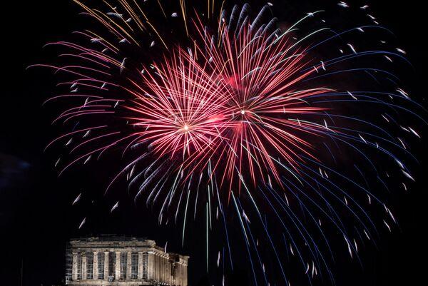 Fajerwerki z okazji Nowego Roku 2021 w Grecji - Sputnik Polska