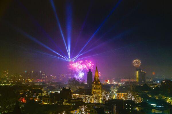 Fajerwerki z okazji Nowego Roku 2021 w Niderlandach - Sputnik Polska