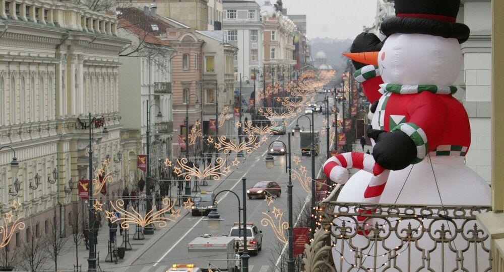 Bałwan na balkonie na Litwie