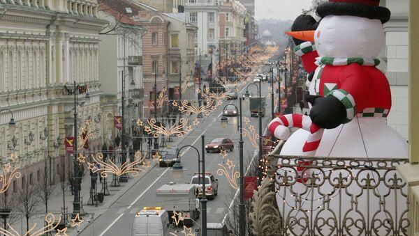 Bałwan na balkonie na Litwie - Sputnik Polska