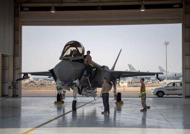 Amerykański myśliwiec F-35.